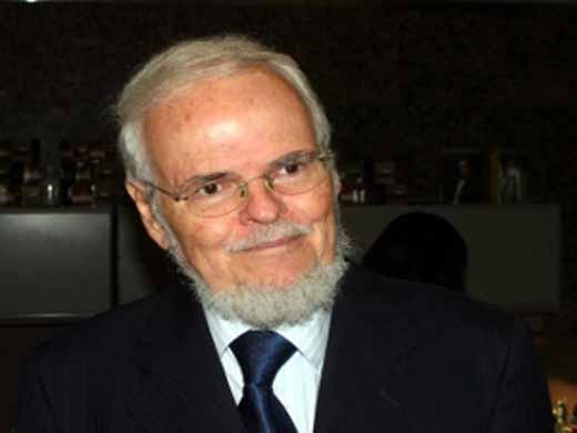 Luis Britto Garcia (patriagrande)