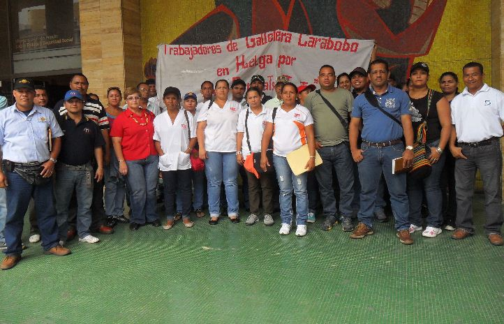 Protesting workers from the Carabobo cookie factory (Aporrea.org)