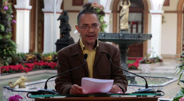 The Venezuelan minister of communication, Ernesto Villegas, read out the Venezuelan government's condemnation of Obama's comments in a national broadcast (VTV)