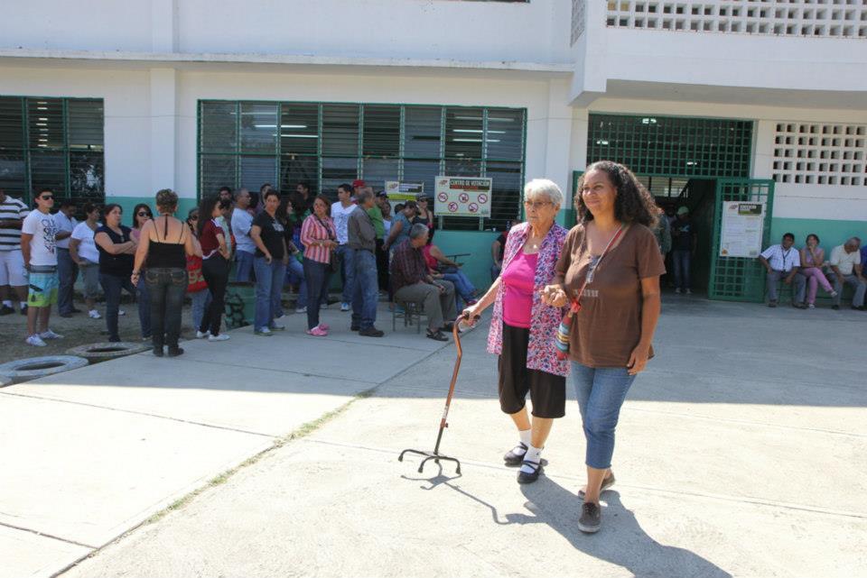 Voting in Aragua state (AVN)