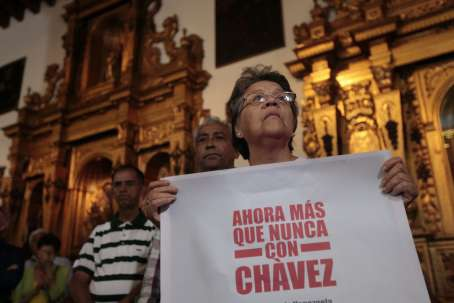 A mass was held in Caracas on New Year's Eve to wish Chavez a full recovery from his operation on 11 December (AVN)