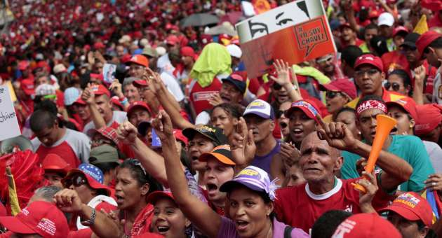Tens of thousands of Chavez supporters filled the streets of Caracas on Thursday (AVN)