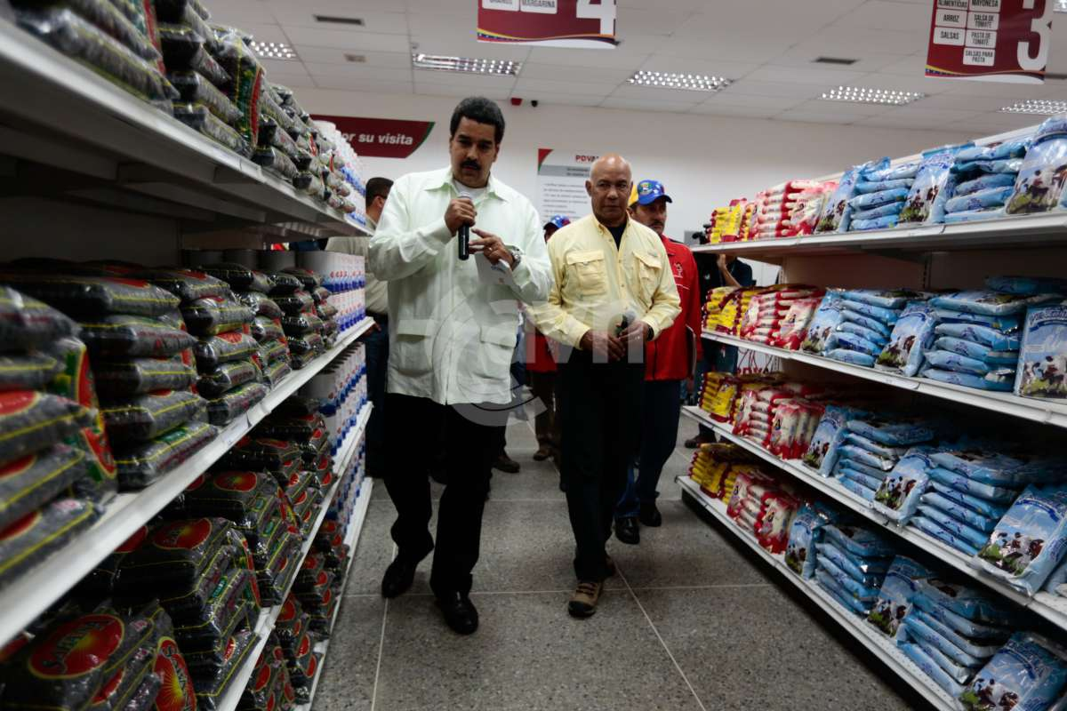 Vice President Nicolás Maduro during the inauguration of a subsidized supermarket on Wednesday (Prensa Miraflores)
