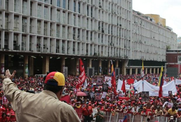 Vice-president Nicolas Maduro speaking at the rally today (Prensa Miraflores)