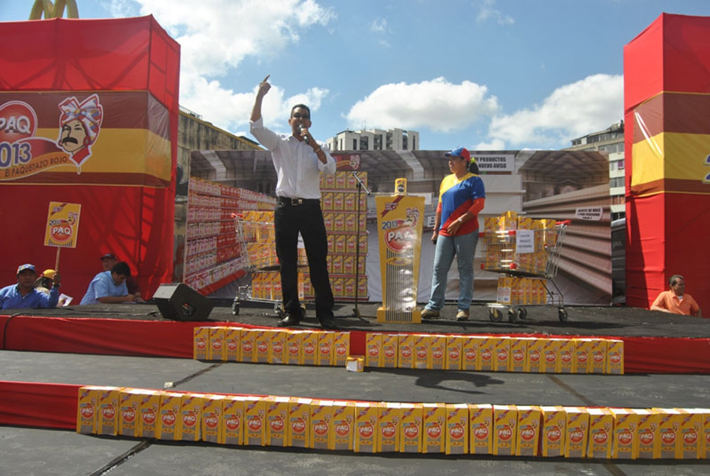 The stage at Saturday's opposition rally (Gregory Quiñonez / Noticias24)