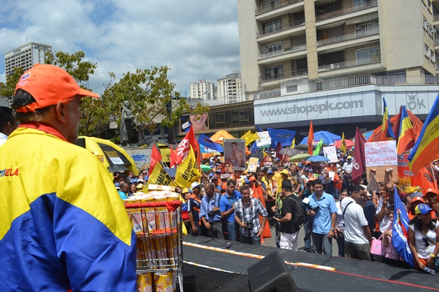 Opposition supporters gathered in East Caracas on Saturday morning (Gregory Quiñonez / Noticias24)