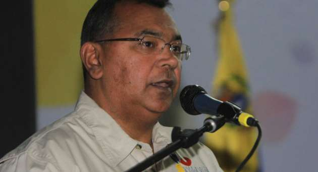 Minister for justice and internal affairs, Nestor Reverol delivered the news during a speech at a school of the National Guard, in Miranda state. He told the audience that over 90% of Venezuelans support gun restrictions (AVN)