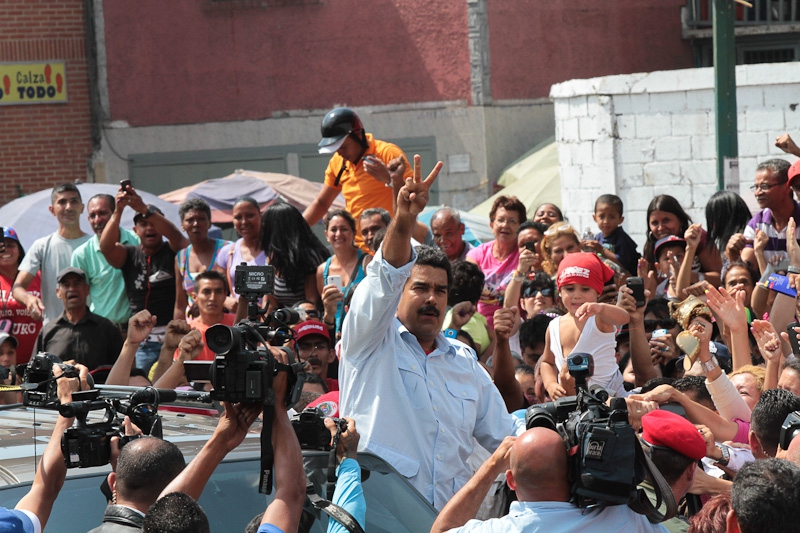 NIicolas Maduro voting today (Efrain Gonzalez/Minci)