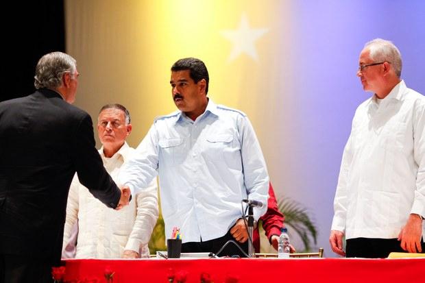 Maduro in Maracaibo, Zulia state yesterday (Prensa Miraflores)
