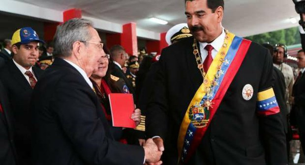 Maduro indicated that he will maintain former president Hugo Chavez's close ties with Cuba (VTV/Archive)