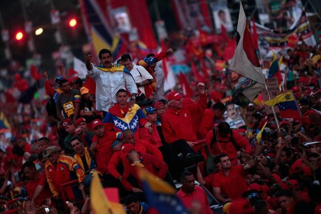 Maduro arriving to make his speech (AVN)