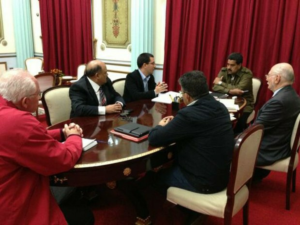 Maduro's new cabinet has a mix of old and new faces (AVN).