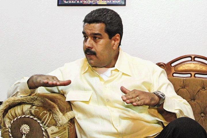 Maduro being interviewed by Panorama (Panorama)