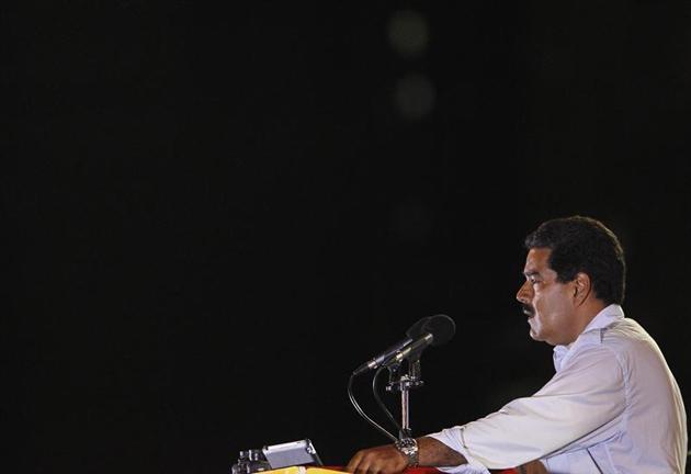 Maduro pausing during his speech (EFE)