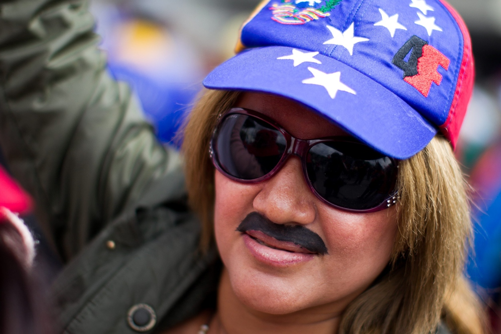 Chavista with Maduro moustache in Caracas (EFE)