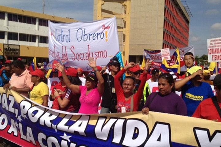 Chavista march on May Day 2013, Maracaibo (Panorama)
