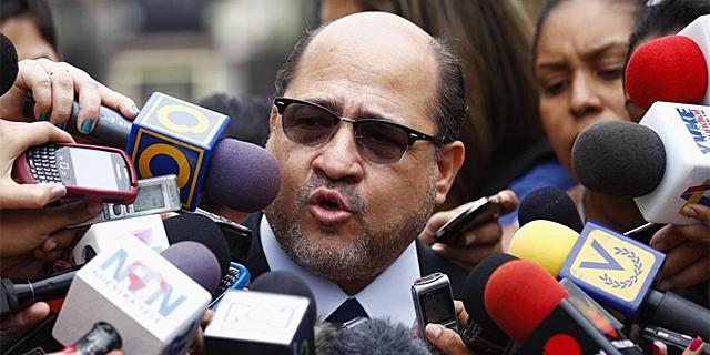 Attorney for the Capriles campaign, Gerardo Fernandez (Reuters)