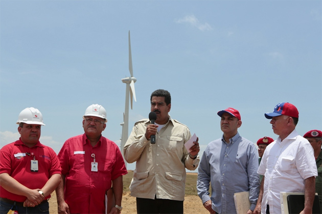 Maduro at the La Guajira wind farm (Prensa Miraflores)