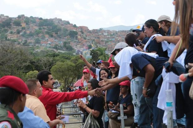 Maduro at a public ceremony today (Prensa Miraflores)