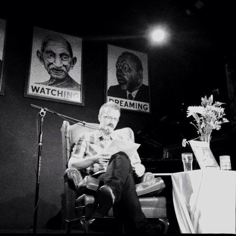 George Ciccariello-Maher at a public reading of his book (Néstor Sánchez Cordero)