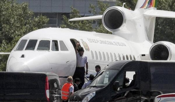 Bolivian president Evo Morales in his plane (agencies)