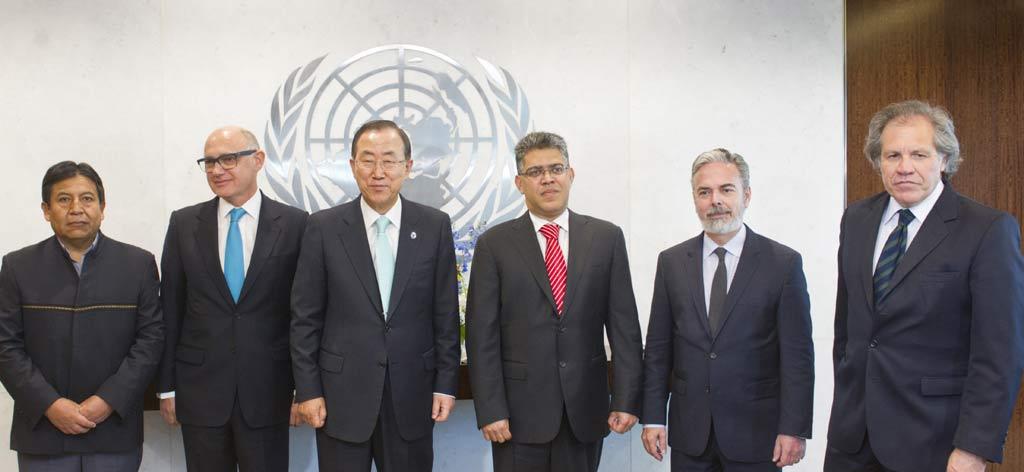 UN General Secretary Ban Ki-moon (third left) with Venezuelan foreign minister Elias Jaua (fourth left) and other Mercosur foreign ministers on Monday (UN Photo/ Mark Garten)
