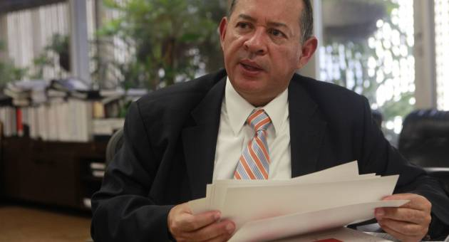 Tovar is seen as aligned with the market-friendly policies of Merentes (archive)