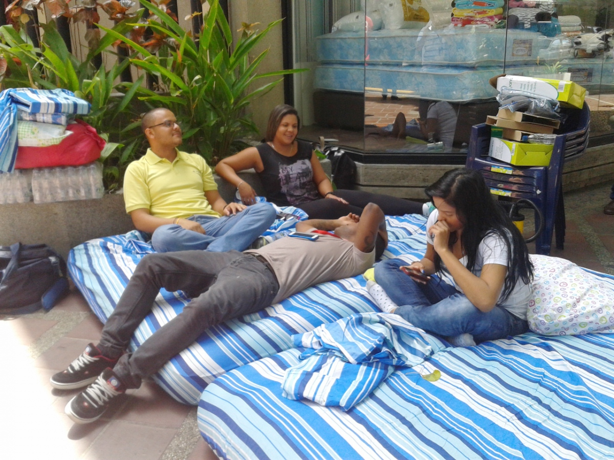 6to Poder workers claiming to be on hunger strike (6to Poder)