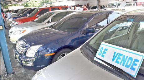 The law attempts to combat shortages and speculation in Venezuela's auto market (Ernesto Morgado/El Nacional)