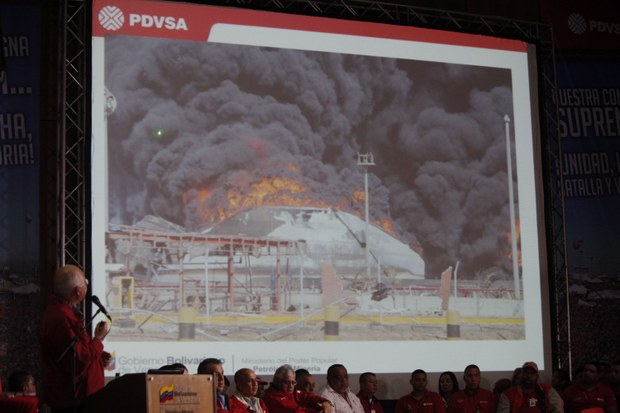 Petroleum and mining minister Rafael Ramirez presenting the report of the investigation into the Amuay tragedy (AVN)