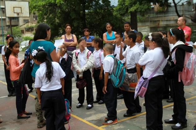 Around eight million pre and primary school children begin the new Venezuelan school year today (AVN)