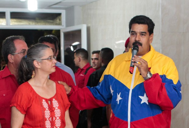 Health Minister Isabel Iturria (left) and President Nicolas Madruo made the announcements (VTV).