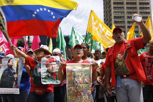 Venezuelans rallying in Caracas earlier today (AVN)