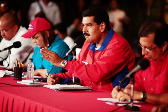 Venezuelan president Nicolas Maduro (centre) launched the second phase of his Street Government initiative yesterday (AVN)