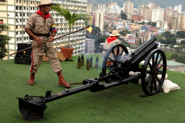 A ceremonial cannon shot at the Barracks of the Mountain, Caracas, 5 November, to mark eight months since Hugo Chavez's passing. (Sibci)