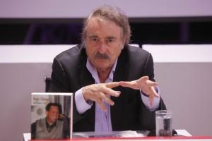 """Ignacio Ramonet presenting his book """"Hugo Chavez: Mi Primera Vida"""" (agencies)"""