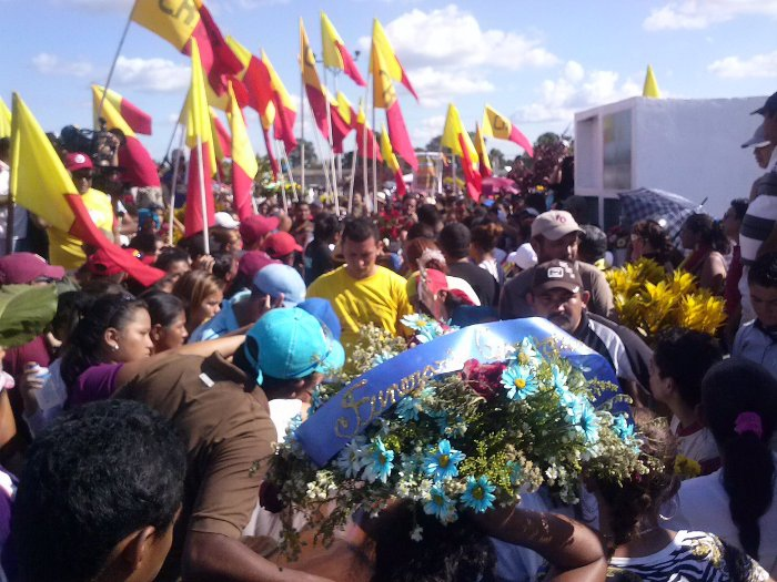 "Following the two murdered activists' funeral yesterday, the rural organisation, to which Freddy Saya and Gerson Rojas belonged, demanded a ""thorough investigation"" and justice for the murders (Prensa CRBZ)"