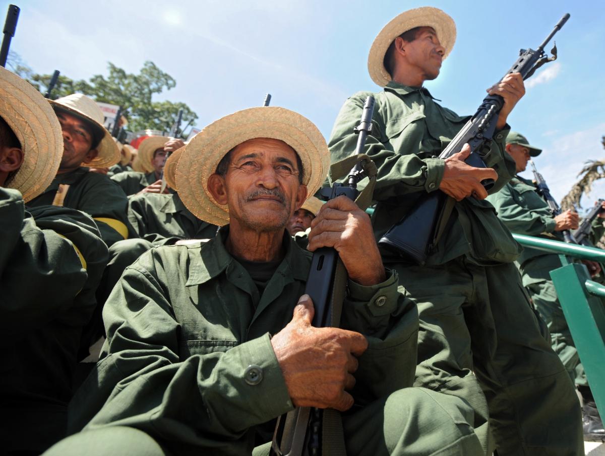 Venezuelan militia members (Juan Barreto /AFP)