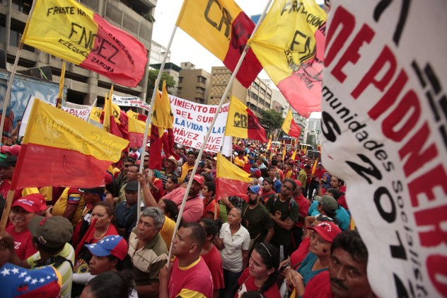 """As they've done in past years, the pollsters comment on the dramatic discrepancy between Venezuelans' positive evaluation of their democracy and the evaluation of outside """"experts,"""" (image: AVN)"""