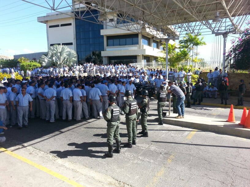 In a second statement released yesterday on Aporrea.org, the FUTAAC union condemned the presence of National Guard officers at a Toyota assembly plant in the eastern city of Cumaná. (Andrea Pacheco/Marea Socialista)