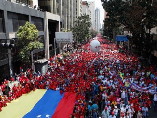 The pro-government march today in Caracas (AVN)
