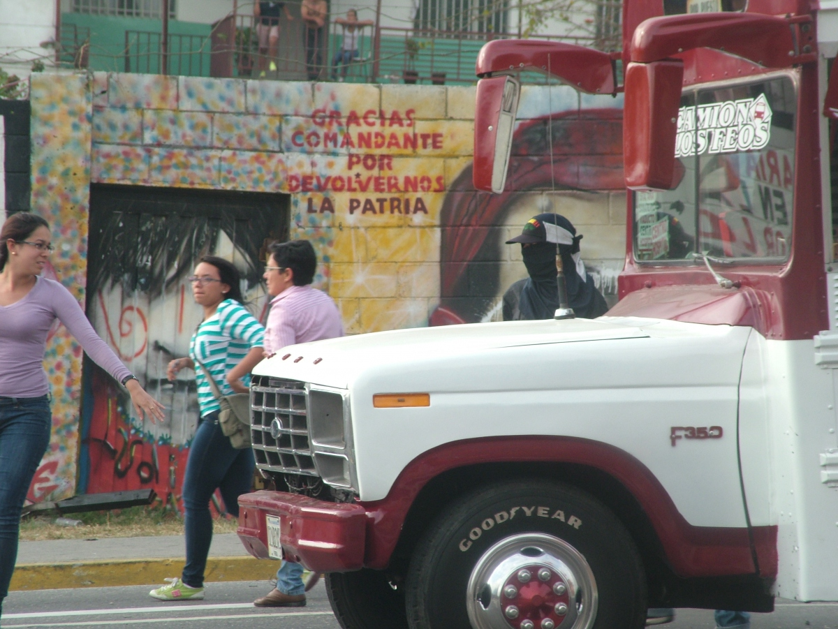 Protestors forced people out of this bus (Tamara Pearson / Venezuelanalysis.com)
