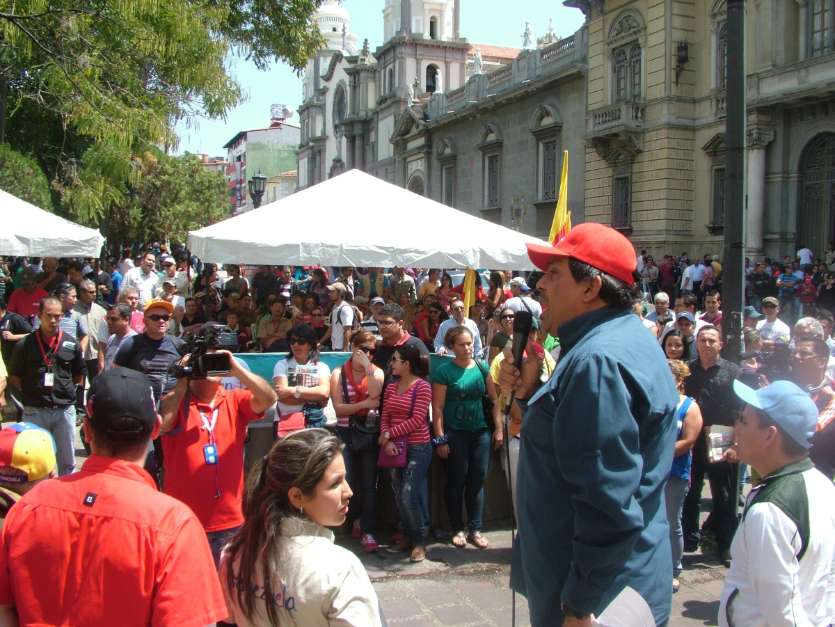 The rally in Merida's main plaza today (Tamara Pearson / Venezuelanalysis.com)