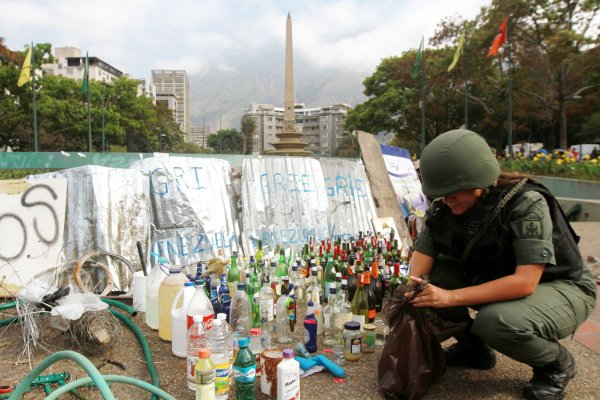 Soldier in Chacao on Monday (AVN)