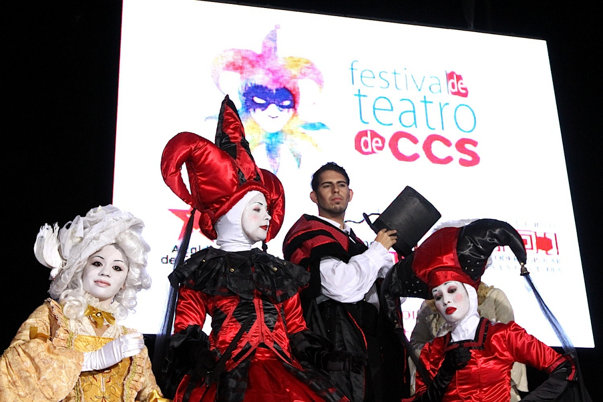 With more than 649 shows, 152 groupings, and 26 public theatres, the III Caracas Festival of Theater took over the capital this week in a genuine expression of popular culture that surpassed all expectations. (agencies)