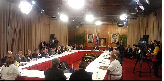 Peace talk in Miraflores