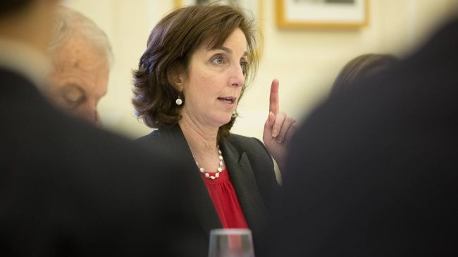Roberta Jacobson attended the Senate hearing and expressed the White House's disapproval of possible sanctions directed towards Venezuela. (Archives)
