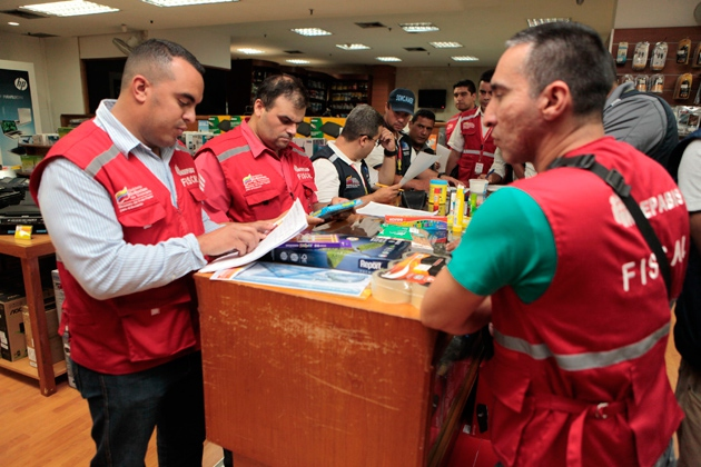 As part of the effort to combat shortages and inflation, authorities have been monitoring and inspecting companies to prevent them from flouting price controls, hoarding goods, or sending products as contraband to Colombia where they fetch a higher price. (AVN)