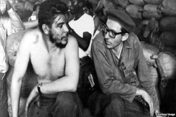 Orlando Borrego (right) with Che Guevara (archive)