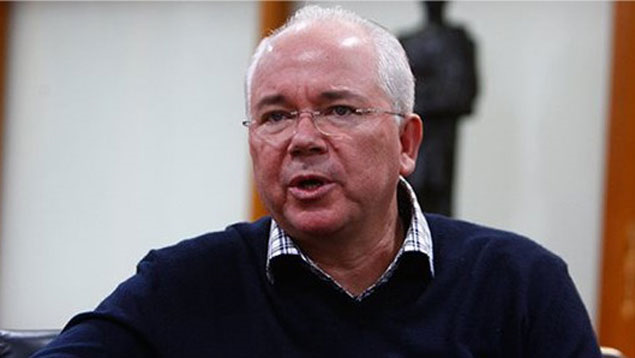 In a speech last week about the performance of state oil company PDVSA in 2013, Vice President for the Economy Rafael Ramirez (pictured) said that a new currency exchange system could be introduced by the end of 2014. (Jesus Contreras)